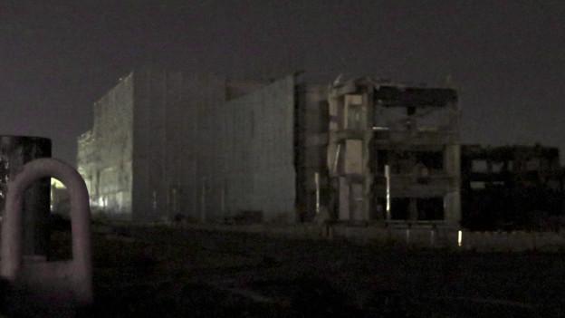 解体工事中の旧ザ・モール春日井(2019年10月23日) - 1:「LIVIN」の文字が見えなくなる