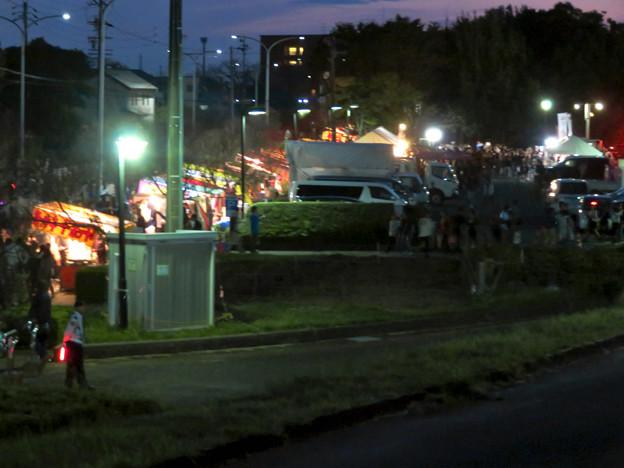 江南市民花火大会 2019:沢山の人が集まってた、すいとぴあ江南前の屋台 - 1