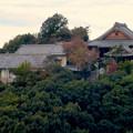 木曽川沿い(江南市側)から見た前渡不動山の上にある佛眼院 - 2
