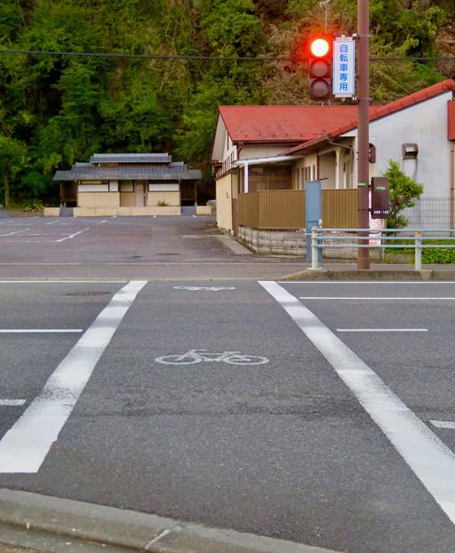 珍しい自転車専用の信号機(各務原市 浄水公園東交差点)- 5