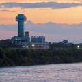 Photos: 対岸の木曽川沿いから見た、夕暮れ時の すいとぴあ江南 - 2