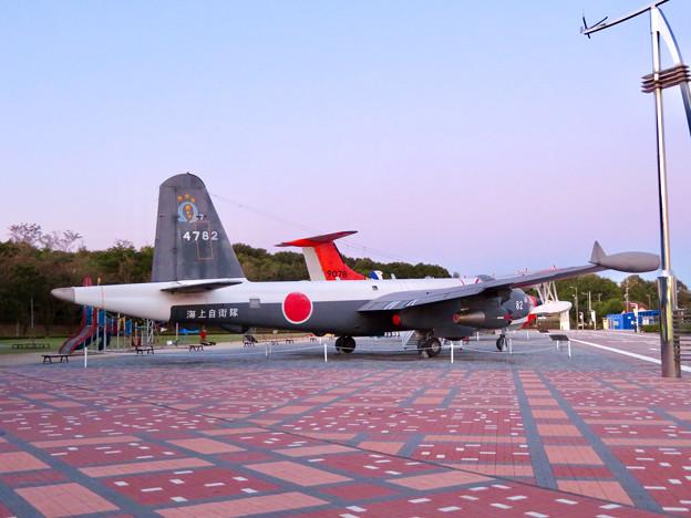 岐阜かかみがはら航空宇宙博物館 No - 27:外に展示された飛行機