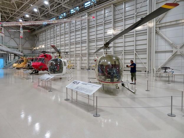 岐阜かかみがはら航空宇宙博物館 No - 99:整備ハンガーの様な巨大な展示ゾーン