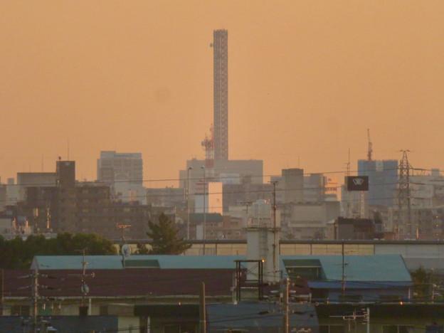 エアポートウォーク3階から見た景色 - 3:中部電力千代田ビルの鉄塔