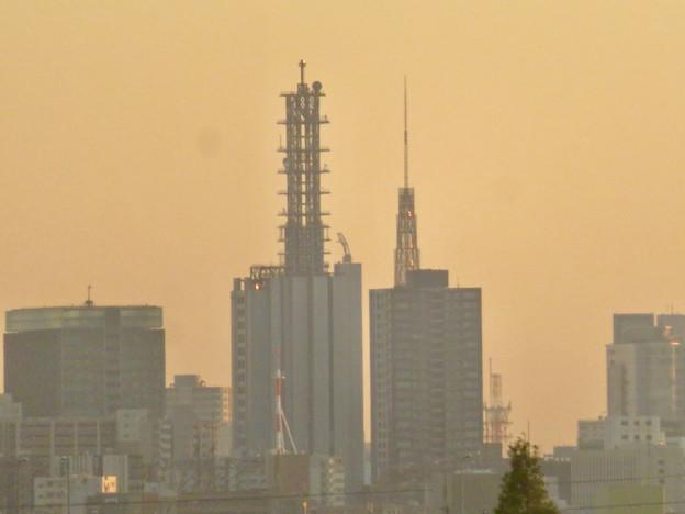 エアポートウォーク3階から見た景色 - 8:NTTドコモ名古屋ビルと名古屋テレビ塔