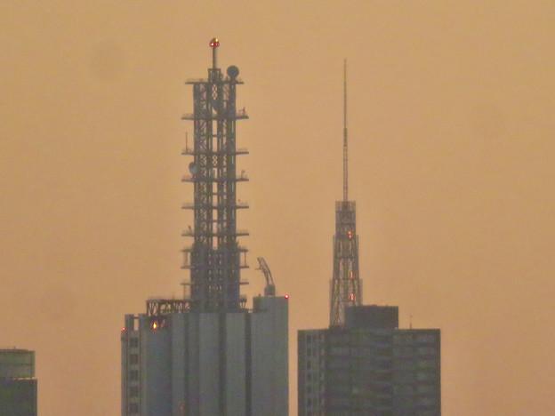 エアポートウォーク3階から見た景色 - 10:NTTドコモ名古屋ビルと名古屋テレビ塔