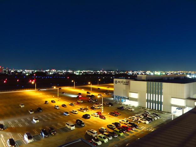 長時間露光で撮影したエアポートウォーク名古屋から見た夜景(SX730HSで撮影、6秒、F4、ISO 80)