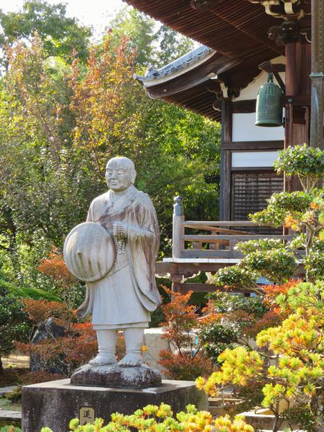 中山道 間の宿 新加納 No - 13:善休寺の親鸞聖人像?