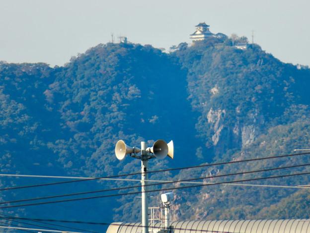 新境川沿いから見た岐阜城・金華山と東海北陸自動車道 - 3