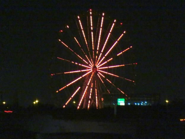 イオンモール各務原最上階駐車場から見た夜景 - 4:オアシスパークの観覧車のイルミネーション