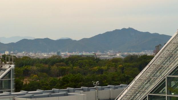 オアシスホイールから見た景色:岐阜城・金華山 No - 1