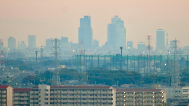 オアシスホイールから見た景色:名駅ビル群 No - 2
