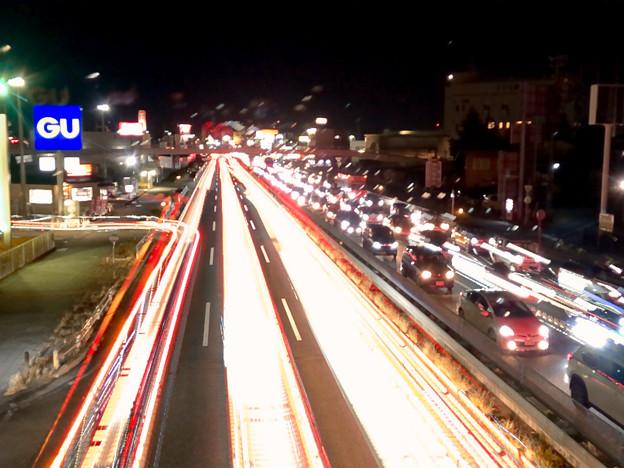 iPhoneアプリ「Lightmatic」で撮影した国道19号を走る光の軌跡(三脚使用)- 1