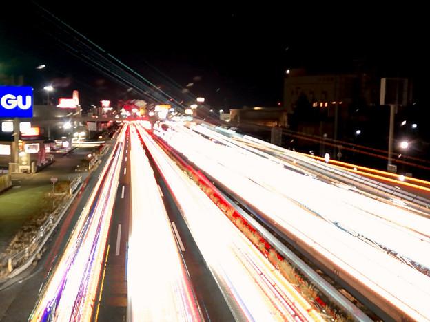 iPhoneアプリ「Lightmatic」で撮影した国道19号を走る光の軌跡(三脚使用)- 2