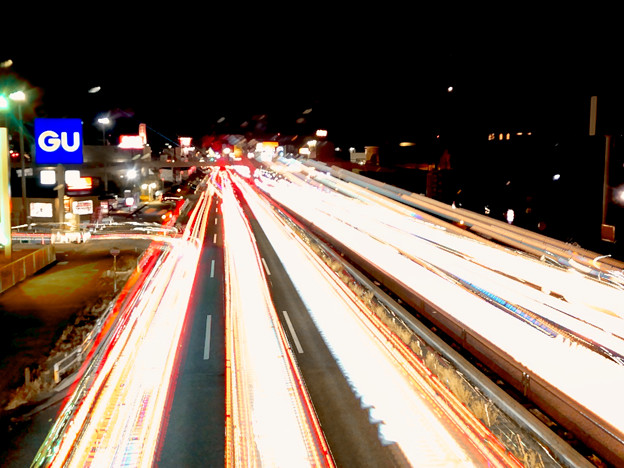iPhoneアプリ「Lightmatic」で撮影した国道19号を走る光の軌跡(三脚使用)- 4