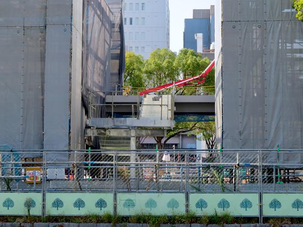 リニューアル工事中の久屋大通公園(2019年11月16日)- 2:建設中の建物