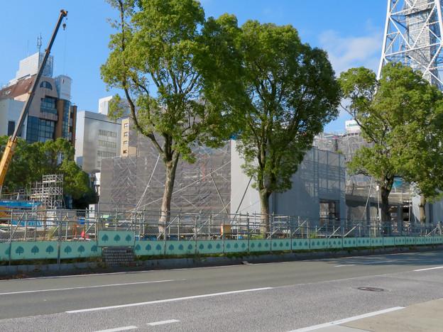 リニューアル工事中の久屋大通公園(2019年11月16日)- 5:建設中の建物