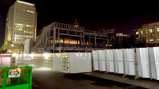 リニューアル工事中の久屋大通公園(2019年11月16日)- 15:建設中の建物