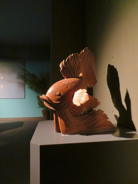 アクア・トトぎふ No - 117:『鬼灯の冷徹』の金魚草みたいな金魚のオブジェ