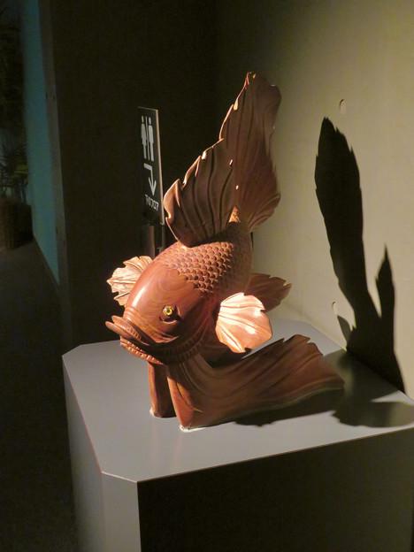 アクア・トトぎふ No - 118:『鬼灯の冷徹』の金魚草みたいな金魚のオブジェ