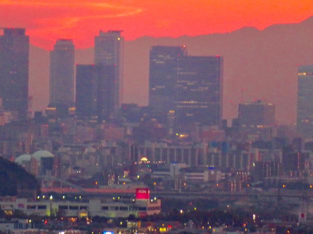 定光寺展望台から見た夕暮れ時の景色 No - 12:名駅ビル群
