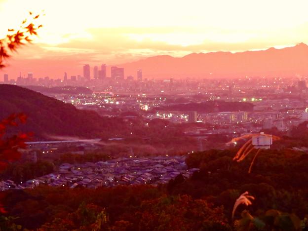 定光寺展望台から見た夕暮れ時の景色 No - 23:名古屋方面