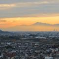 Photos: 犬山善光寺の展望台から見た景色 No - 5:靄の上に浮かび上がる雪を頂く伊吹山