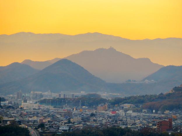 犬山善光寺の展望台から見た景色 No - 7:岐阜城・金華山