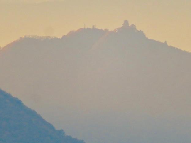 犬山善光寺の展望台から見た景色 No - 9:岐阜城・金華山