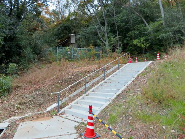 東之宮古墳 No - 22:東之宮神社の南側参道入り口