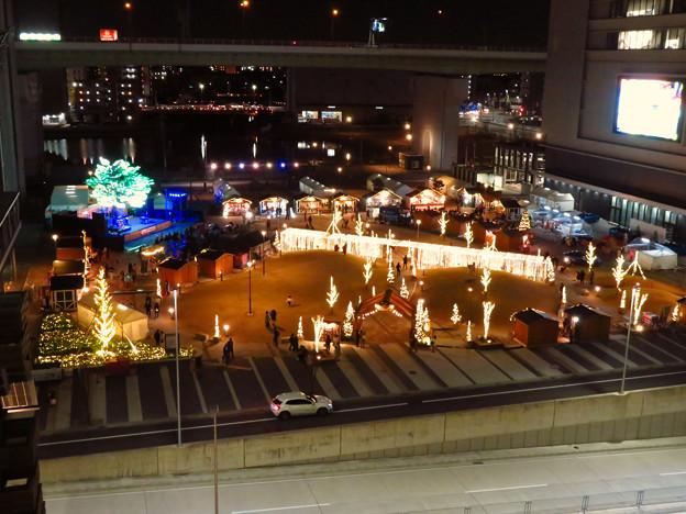 グローバルゲートから見下ろした夜の「ささしまクリスマス」会場 - 1