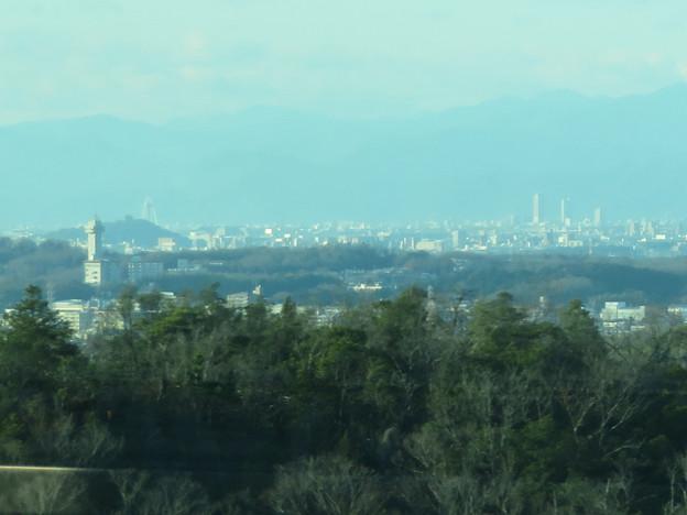 陶磁資料館南駅付近から見た景色 - 3:スカイワードあさひ、ツインアーチ138、岐阜駅周辺のビル群
