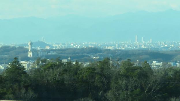 陶磁資料館南駅付近から見た景色 - 4:スカイワードあさひ、ツインアーチ138、岐阜駅周辺のビル群