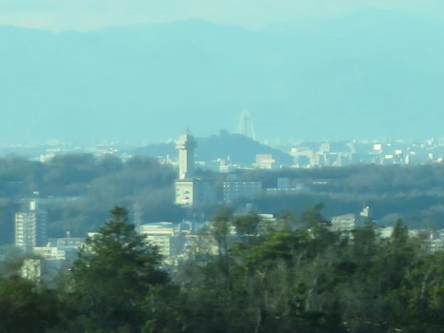 陶磁資料館南駅付近から見た景色 - 5:スカイワードあさひ、ツインアーチ138