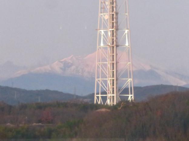 芸大通駅付近から見た瀬戸デジタルタワーと御嶽山 - 3