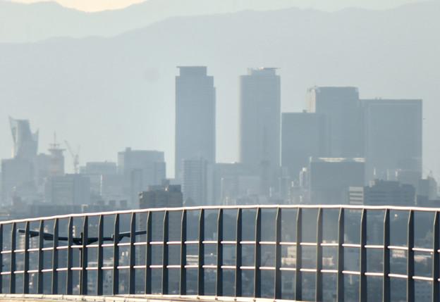 陶磁資料館南駅から撮影した名駅ビル群 - 2