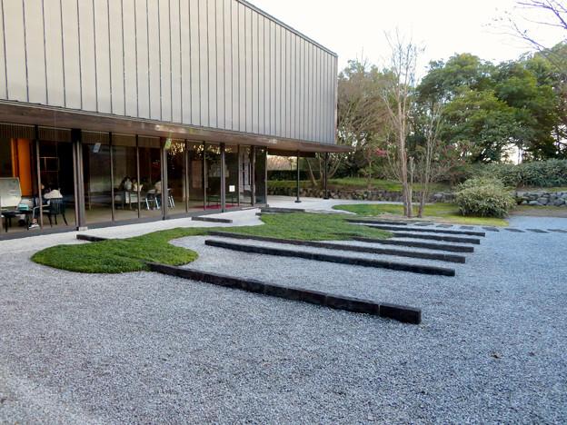 愛・地球博記念館 No - 25:中庭