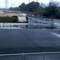 Photos: 桃花台線の桃花台中央公園南側撤去工事(2020年1月7日):フェンスで覆われた無意味な撤去跡地 - 2