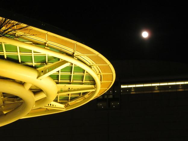 Photos: オアシス21:黄色いイルミネーション(2020年1月11日) - 3(イルミと満月)