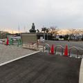 Photos: 東之宮古墳へと通じる歩道入り口と犬山成田山 - 2