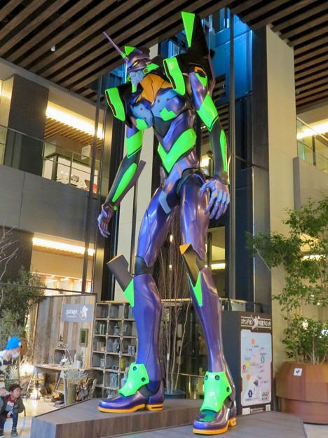 Photos: グローバルゲート1階にエヴァ初号機像が設置 - 4