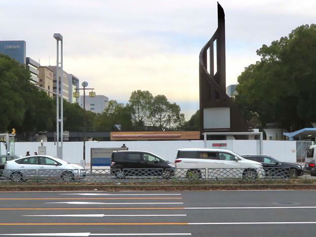 栄バスターミナル跡地に建設中の「ミツコシマエ ヒロバス」- 1