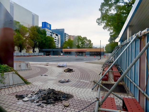 栄バスターミナル跡地に建設中の「ミツコシマエ ヒロバス」- 3