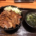 Photos: 韓丼 春日井店:カルビ丼とワカメスープ