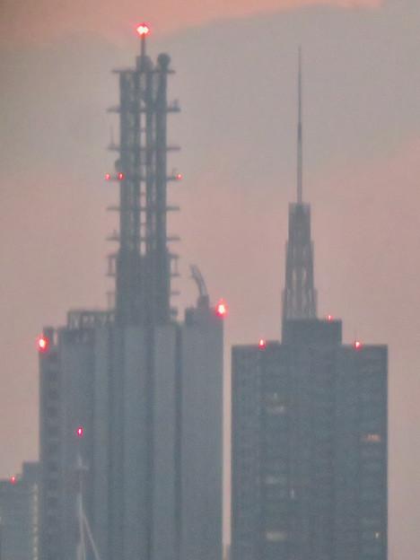 エアポート名古屋から見たNTTドコモ名古屋ビルと名古屋テレビ塔 - 2