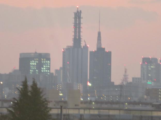 エアポート名古屋から見たNTTドコモ名古屋ビルと名古屋テレビ塔 - 3