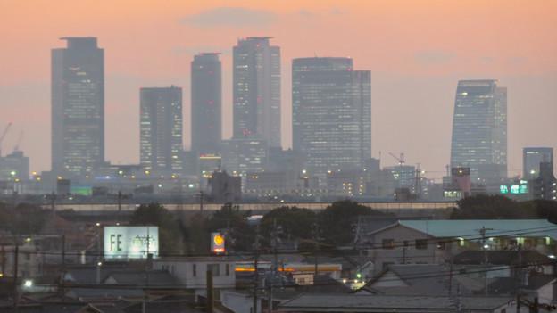 エアポート名古屋から見た夕暮れ時の名駅ビル群 - 2