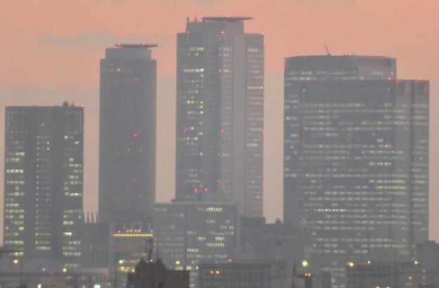 エアポート名古屋から見た夕暮れ時の名駅ビル群 - 4