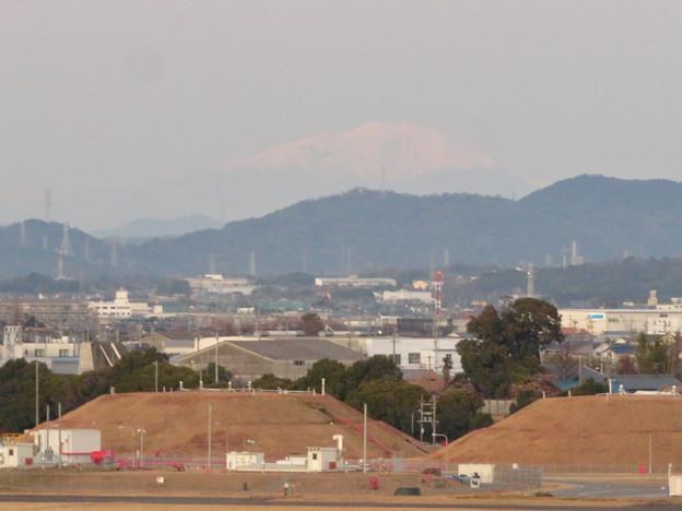 エアポート名古屋スカイデッキから見えた御嶽山 - 1