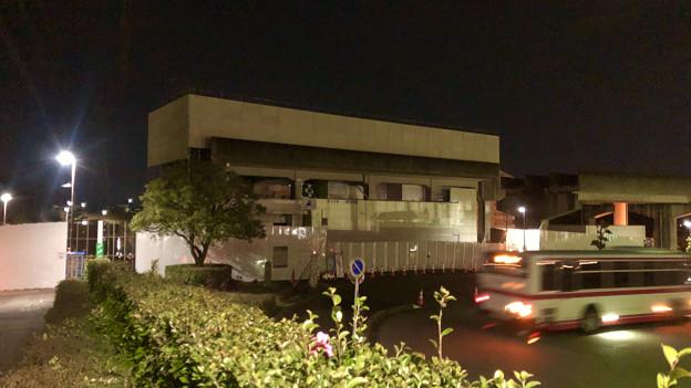 桃花台線の桃花台東駅撤去工事(2020年1月24日):ホーム部分も覆われる - 2